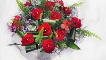 שזירת פרחים אומנותית